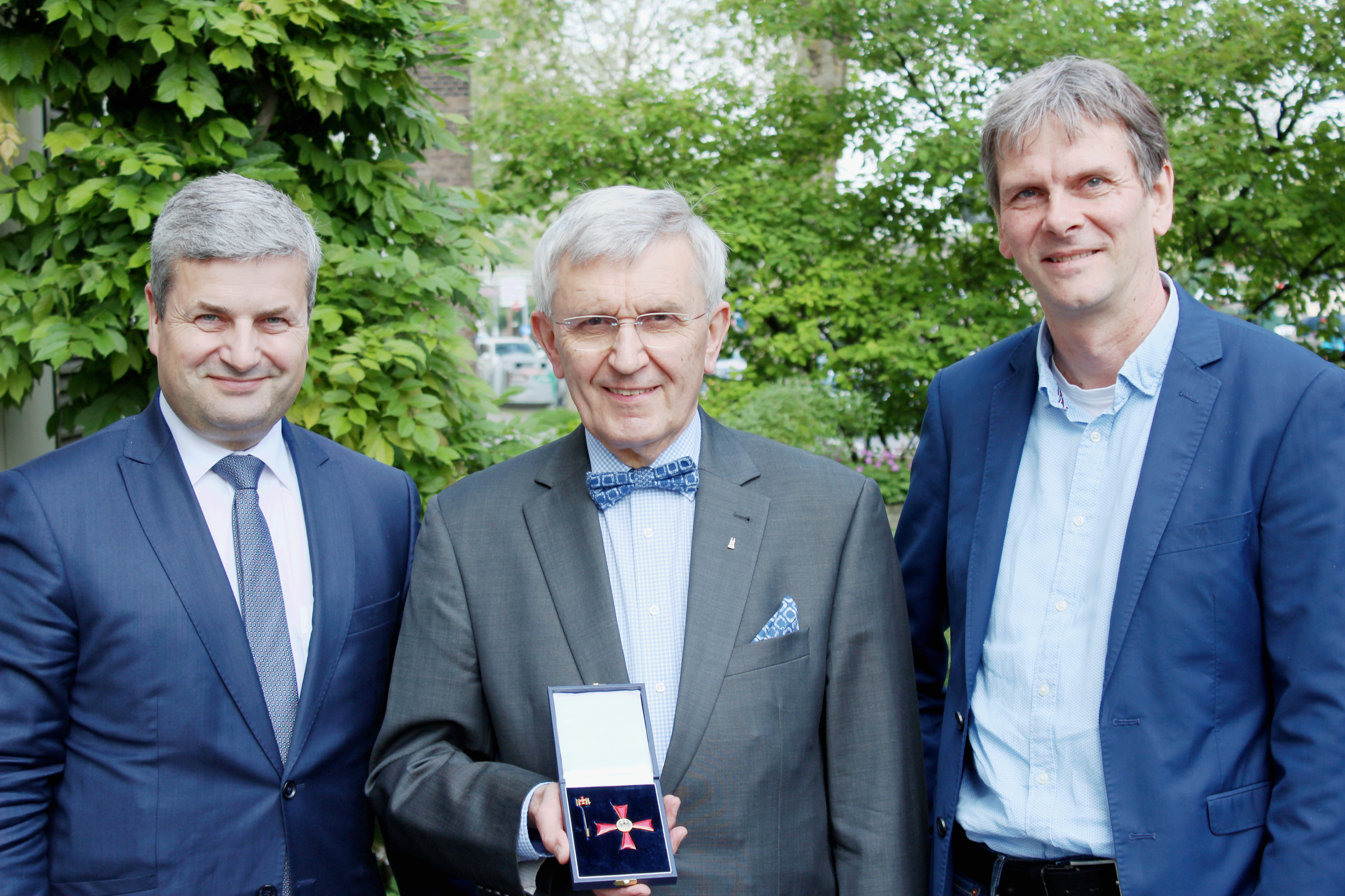 Bundesverdienstkreuz 1.Klasse für Gert Kurt Schwieren